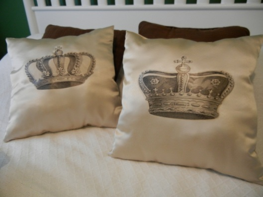 Majestic Throw Pillows for Guest Room